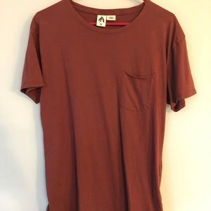 Men's Urban Outfitters Scoop Neck Curved Hem Tee.